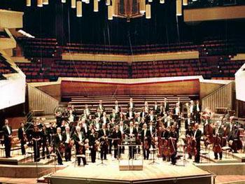 柏林交响乐团岁末献艺 成都迎来雅乐盛宴