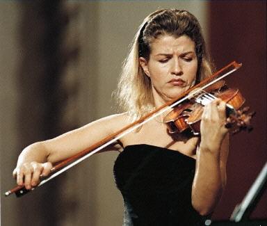 小提琴家穆特:巡演中国站全部收入捐灾区
