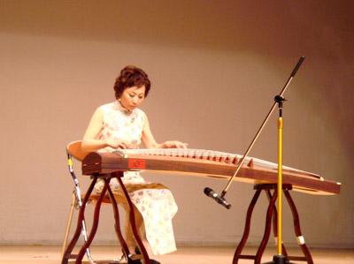 韩国成功举办中日韩传统音乐公演