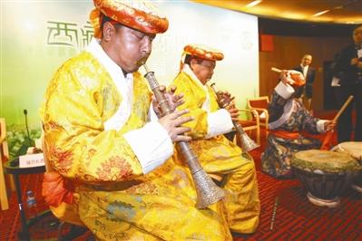 西藏爱乐带来古董乐器