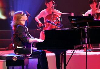 郭峰流行钢琴音乐会 观众出题即兴谱曲