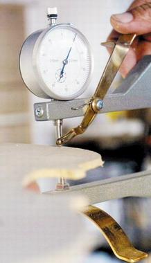津门琴匠 全部手工制作造就艺术精品