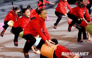 全国第三届中小学生艺术展演活动在上海开幕